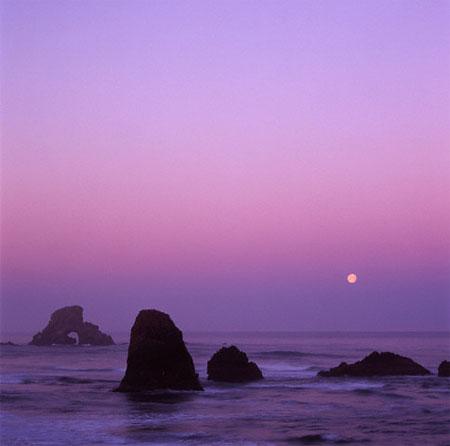 Moon conjunct Neptune is dreamy, refined and often misunderstood.
